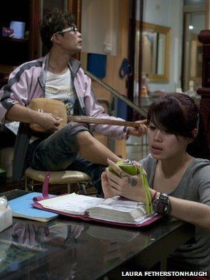 Liu Jun-Lin and her brother