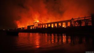 Naples museum park on fire