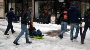 Ricardo Moreira sledging in King Street