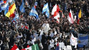 Pope Francis arrives in St Peter's Square