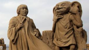 Harry Potter characters in sand sculptures