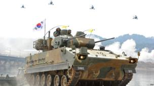 South Korean anti-aircraft armoured vehicles during a military drill near the border with North Korea (1 April 2013)