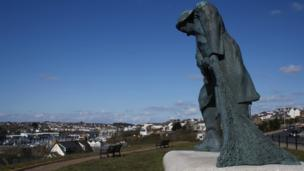 The fishermen's statue on The Rath in Milford Haven