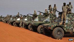 Chadian troops heading to Mali - 24 January 2013