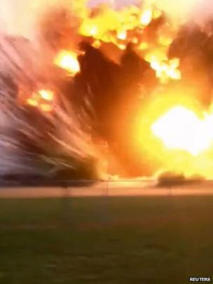 Moment of the explosion at the West Fertilizer plant near Waco (17 April 2013)