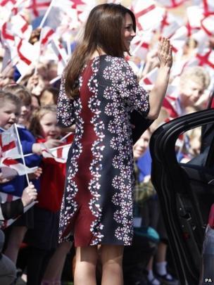 School children waved flags