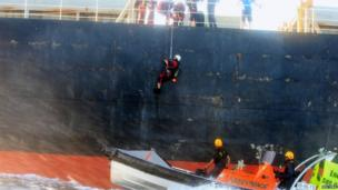 Greenpeace activists board a coal ship bound for South Korea near Australia's Great Barrier Reef (24 April 2013)