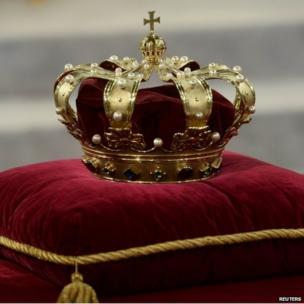 The Dutch crown on display at the Nieuwe Kerk, Amsterdam (30 April 2013)