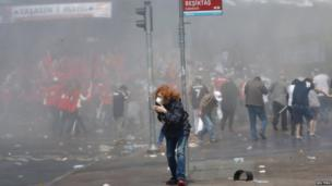 Police take action against May Day rally in Istanbul, Turkey, 1 May