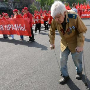Ukrainian communists march and rally marking May Day in Kiev, 1 May 2013