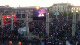 Thousands stayed late into the evening to see the players come out onto stage with the Championship Cup.