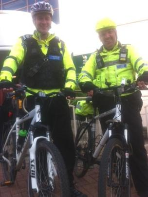 Sgt Scott Askew (left) and PCSO Nev Davies