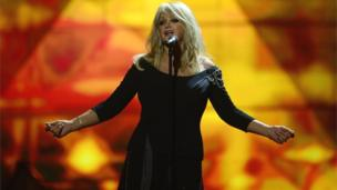Bonnie Tyler sings at the Eurovision Song Contest