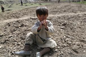 Afghan child eating