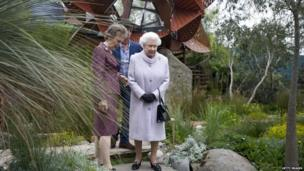 The Queen visits the Trailfinders Australian garden at the Chelsea Flower Show
