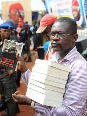A vendor at the funeral of Chinua Achebe, 23 May