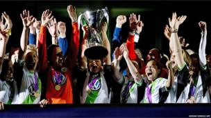 Wolfsburg lift the Women's Champions League trophy