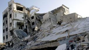 Buildings left in ruins in Qusair