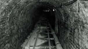 Victoria Tunnel 1975