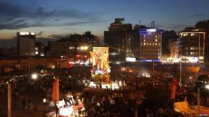 Anti-government protesters gather in Istanbul's Taksim square