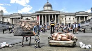 Lucian Freud miniature pictured outside the National Gallery
