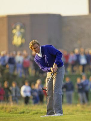 Scottish golfer Colin Montgomerie putting on the second green at the Dunhill Cup in St Andrews