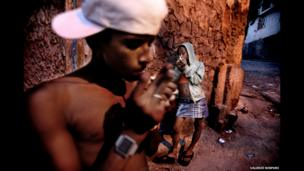 Two youngsters take drugs in Salvador de Bahia, Brazil, February 2010.