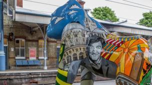 Stephen Fry on Norwich Go Go Gorilla