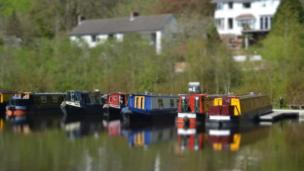 Narrowboats on the Llangollen Canal