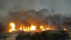 Homes on fire in Yarnell (30 June 2013)