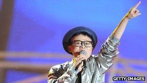 Jack Ma singing