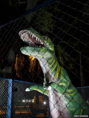 Artificial zoo