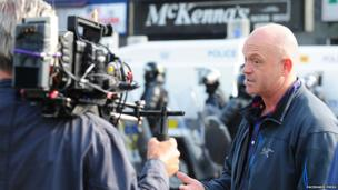 Former Eastenders actor Ross Kemp joined Orangemen in north Belfast, as he filmed part of his new tv series.