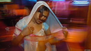 Bar dancer, Mumbai, 2005