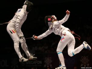 Germay's Britta Heidemann (left) fights with Russia's Anna Sivkova
