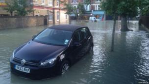 Flooded road, London, UK. Photo: Clint Wallis