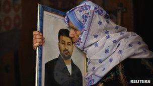 Mother of Salah al-Shaer, one of 26 prisoners set for release on 14 August, in Khan Younis, Gaza (August 12 2013)
