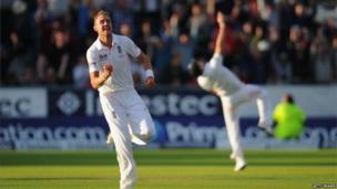 Stuart Broad and James Anderson celebrate England's Ashes victory