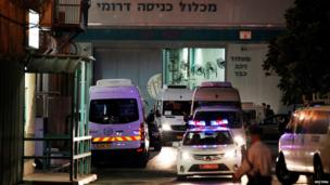 Buses carrying freed Palestinian prisoners leave Ayalon prison in Israel (13 August 2013)