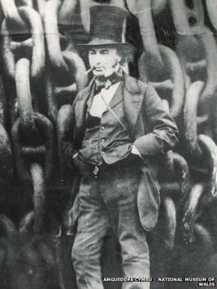 Brunel in front of the Great Eastern chains, made in the Brown Lennox works at Pontypridd © Amgueddfa Cymru – National Museum of Wales