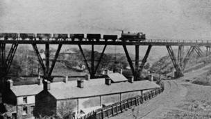 The Dare Viaduct on the Vale of Neath Railway © Amgueddfa Cymru – National Museum of Wales