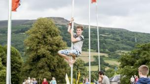 Green Man pole climbing