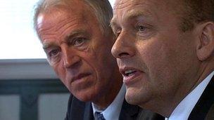 Faroese PM Kaj Leo Johannesen (right) with Danish Foreign Secretary Villy Sovndal