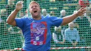 Weight throwing at the Braemar Games