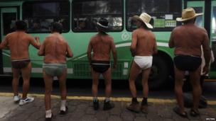 Farmers in their underwear in Mexico City (12 September 2013)