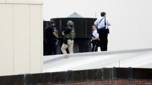 Law enforcement officials near Washington Navy Yard, 16 Sept