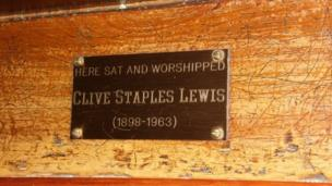 CS Lewis pew