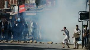 Protesters in Kashmir, 20 September 2013