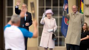 Allan Wells receives a send-off from the Queen, Prince Philip and Lord Smith of Kelvin