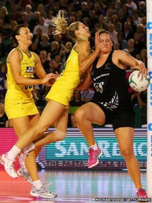 Bancia Chatfield and Laura Geitz of the Diamonds contest for the ball against Catherine Latu (right) of the Ferns during the Constellation Cup match